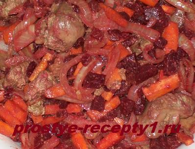 Tepliy-salat-s-kurinoy-pechenju
