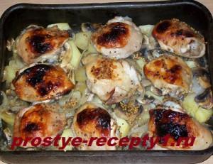 через 45 минут ароматная картошка с курицей и грибами готова