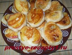 Оладушки с яблоками готовы