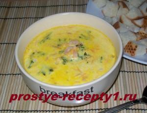Сырный суп с креветками готов