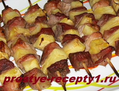 Мясо на шпажках в духовке готово!